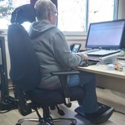 repose-pieds ergonomique à bascule