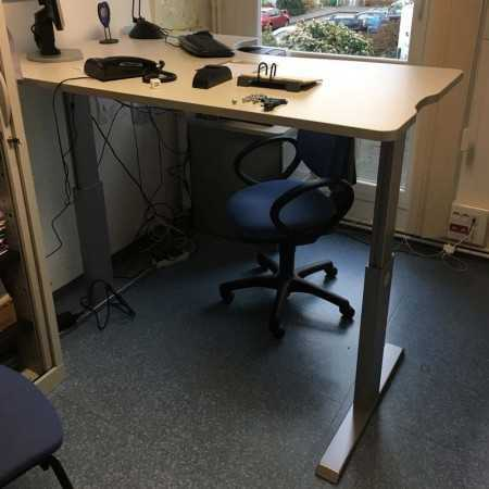 Bureau assis debout PRO 140 M AF140F Bureaux électriques